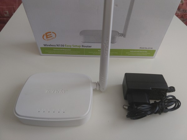 OUT - Tenda N150 Wireless N150 Ruter WISP/universal repeater/S-bridge/AP/WPS,3L/1W fixed 1x5dBi 9